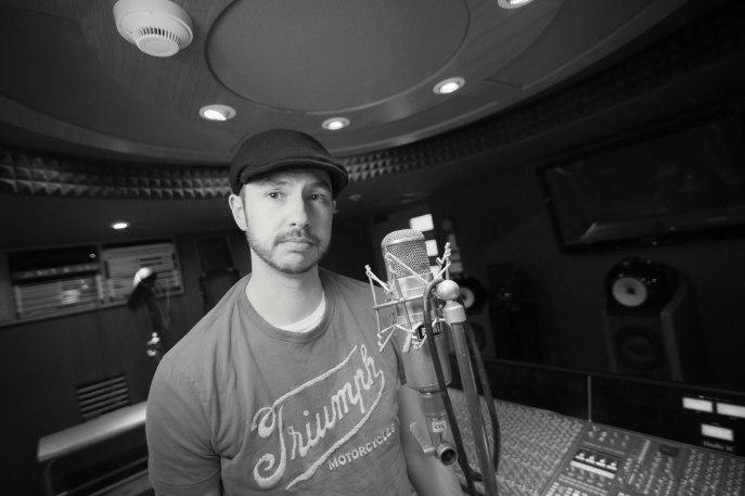 Travis Ratledge, singer